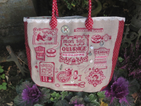 Le sac rouge toujours