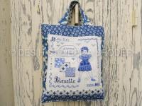 Bleuette et son petit sac