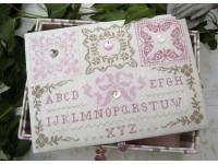Les carrés roses et beiges