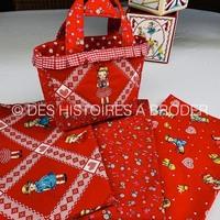 En rouge il aussi très beau!!! Tissus à retrouver sur le site en 110 x 1m ou x 50 cm www.deshistoiresabroder.com #tissu #patchworkfabric #tissucoton #margaretetsophie #rouge #couturedebutant #cartonnage