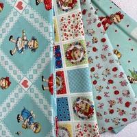 Tissu coton 110cm x 1m ou 50cm à retrouver sur le site www.deshistoiresabroder.com #tissusaddict #margaretetsophie #turquoise #tissupourcartonnage #couture #patchworkfabric #fabrics #patch